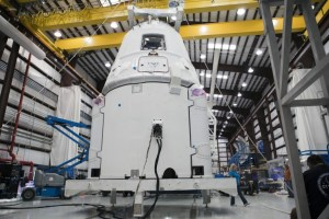 spacex-dragon-commercial-launch-iss-1