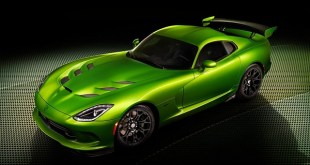 SRT-Viper-with-Stryker-Green-paint