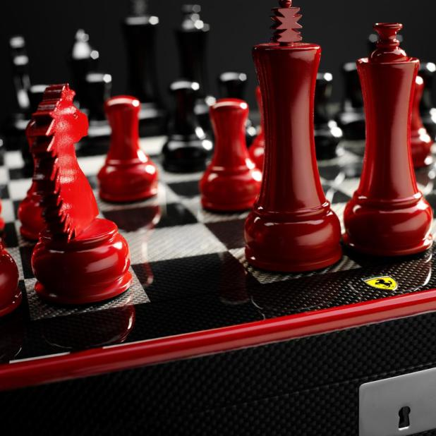 Ferrari-carbon-fiber-chess-set-2