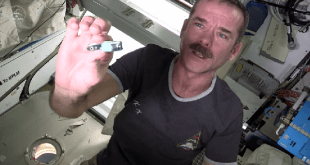 Chris-Hadfield-Nail-Clipping-Space