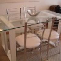 Fantástica mesa de jantar 4 lugares para uma sala muito elegante