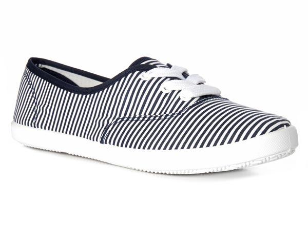 Zapatillas: 4 euros