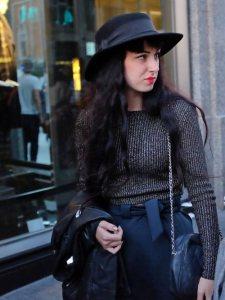 sombrero.negro.mujer.ala_so