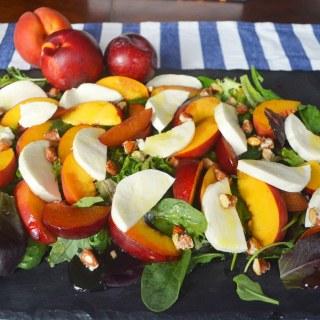 mer Peach and Fresh Mozzarella Salad by Modern Honey l www.modernhoney.com