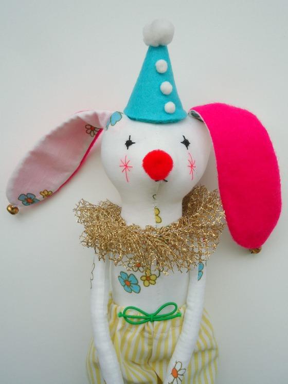 modflowers: nibbles the sad clown-rabbit