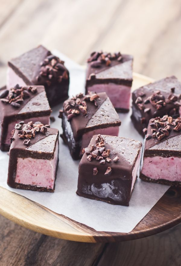 vegan raspberry brownie ice cream sandwiches