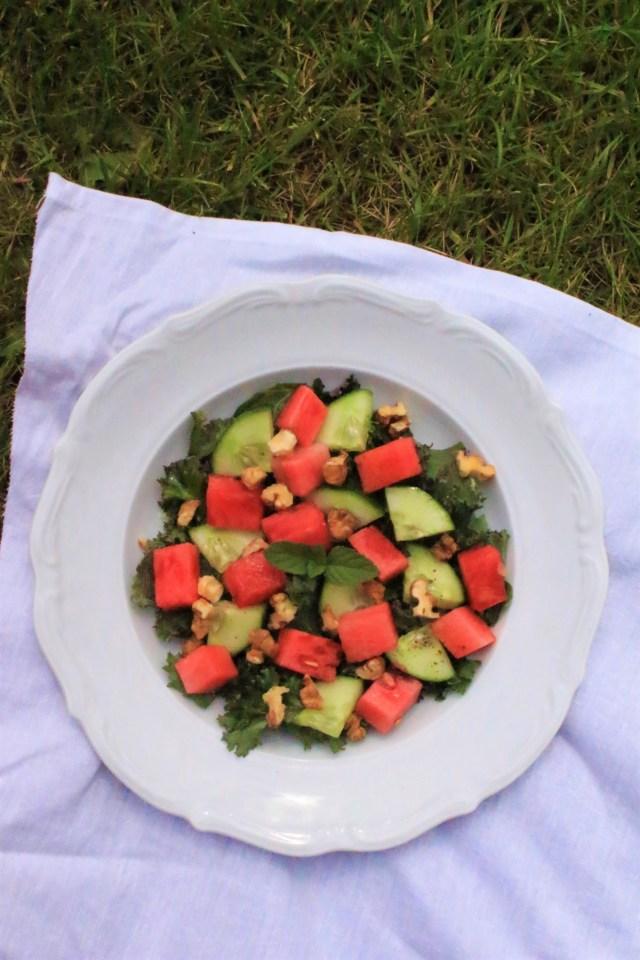 Sałatka z jarmużem i arbuzem