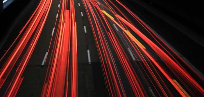 Hamowanie silnikiem – oszczędna technika jazdy