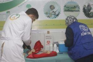 العيادات التخصصية السعودية تقدم اللقاحات والتطعيمات لـ 1243 لاجئاً سوريا في مخيم الزعتري
