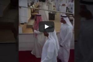 شاهد تواضع الملك سلمان خلال استقباله بالزغاريد في مهرجان زايد التراثي
