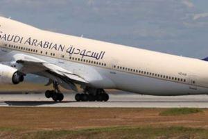 طيار الخطوط السعودية يصاب بجلطة بالقلب خلال رحلة الى جدة