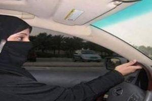 القبض على مواطنة سعودية تقود سيارة في جدة