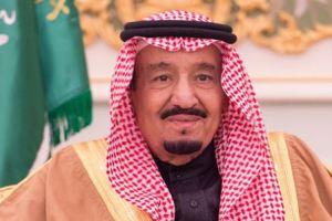خادم الحرمين يغادر المملكة برفقة 24 أميرا و6 وزراء في جولته الخليجية (أسماء الوفد)