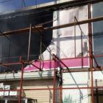 بالصور.. مدني ينبع يباشر حريقا اندلع بمحل تجاري