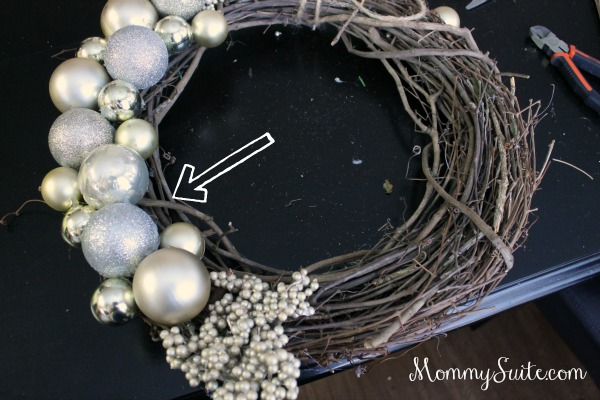 Step 5- Ornament Wreath