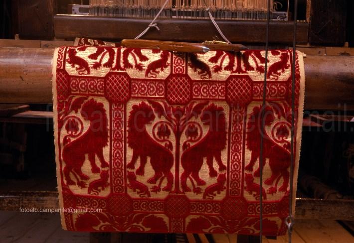 sestiere-santa-croce-venezia-tess-17-luigi-bevilacqua-antica-tessitura-serica-tessuto-leoni