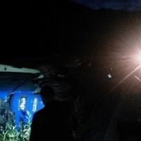 VIDEO: Un TIR a căzut pe calea ferată între Iacobeni și Argestru!