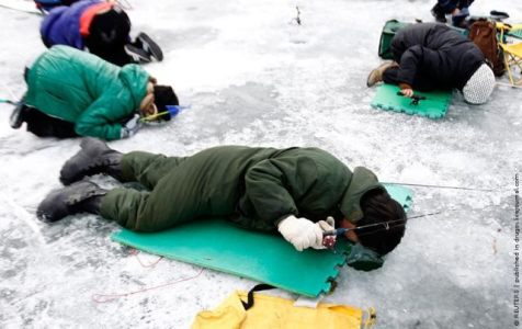 korea_ice_fishing_00