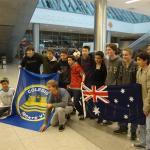 El 18 de julio llegaron a Montevideo siete alumnos de Redfield y sus anfitriones de Monte VI los recibieron en el Aeropuerto de Carrasco