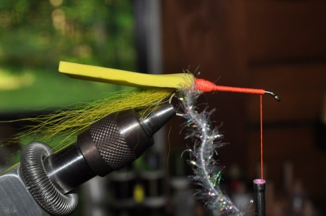 Step 2D2 - Wrap the thread up the shank.
