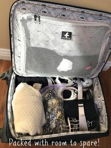 Atlantic Ultra Light 3 21' Expandable Spinner Luggage