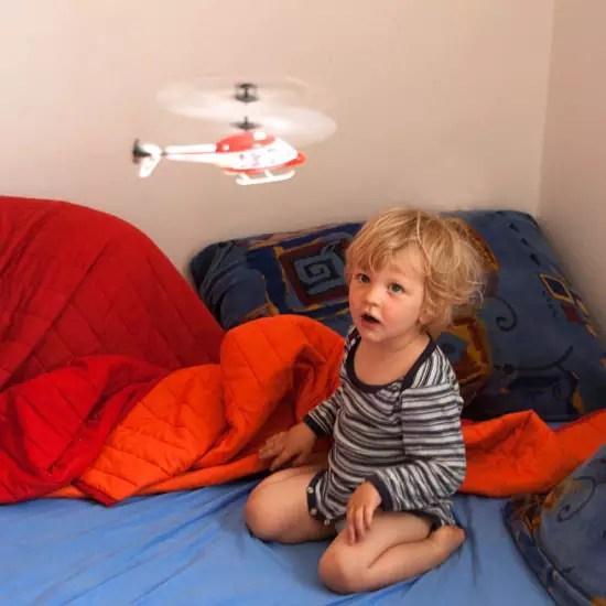 Achtung Nino - tieffliegender Hubschrauber!