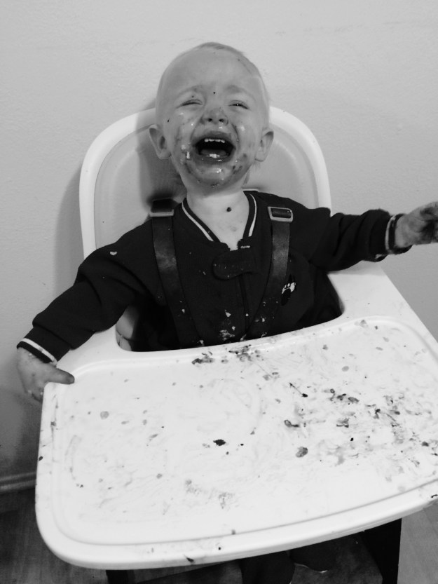 why is dinner so hard with toddlers? how to handle two year olds. how to handle three year olds.