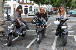 Girls on scooters - Why don't we see more of this??? Motorbikes are not madness