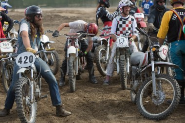 Friends, fun, freedom - Hell on Wheel Moto-X Rally