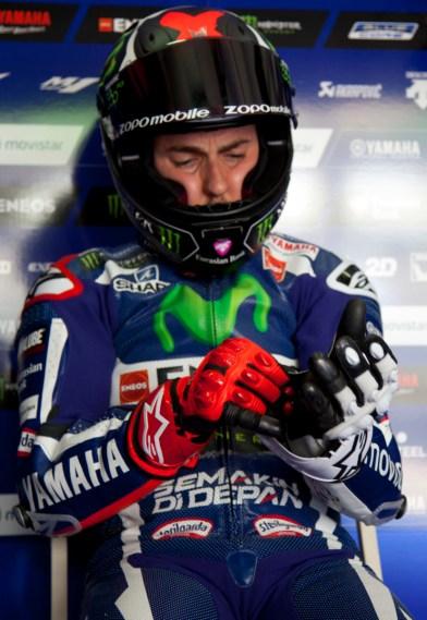 Jorge Lorenzo gloves on