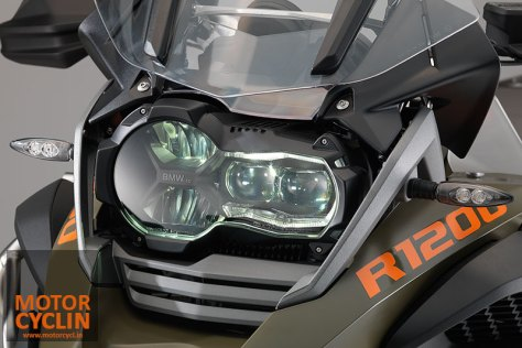 2014-BMW-R1200GS-headlamps