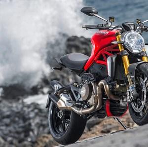 Ducati_Monster_1200S view