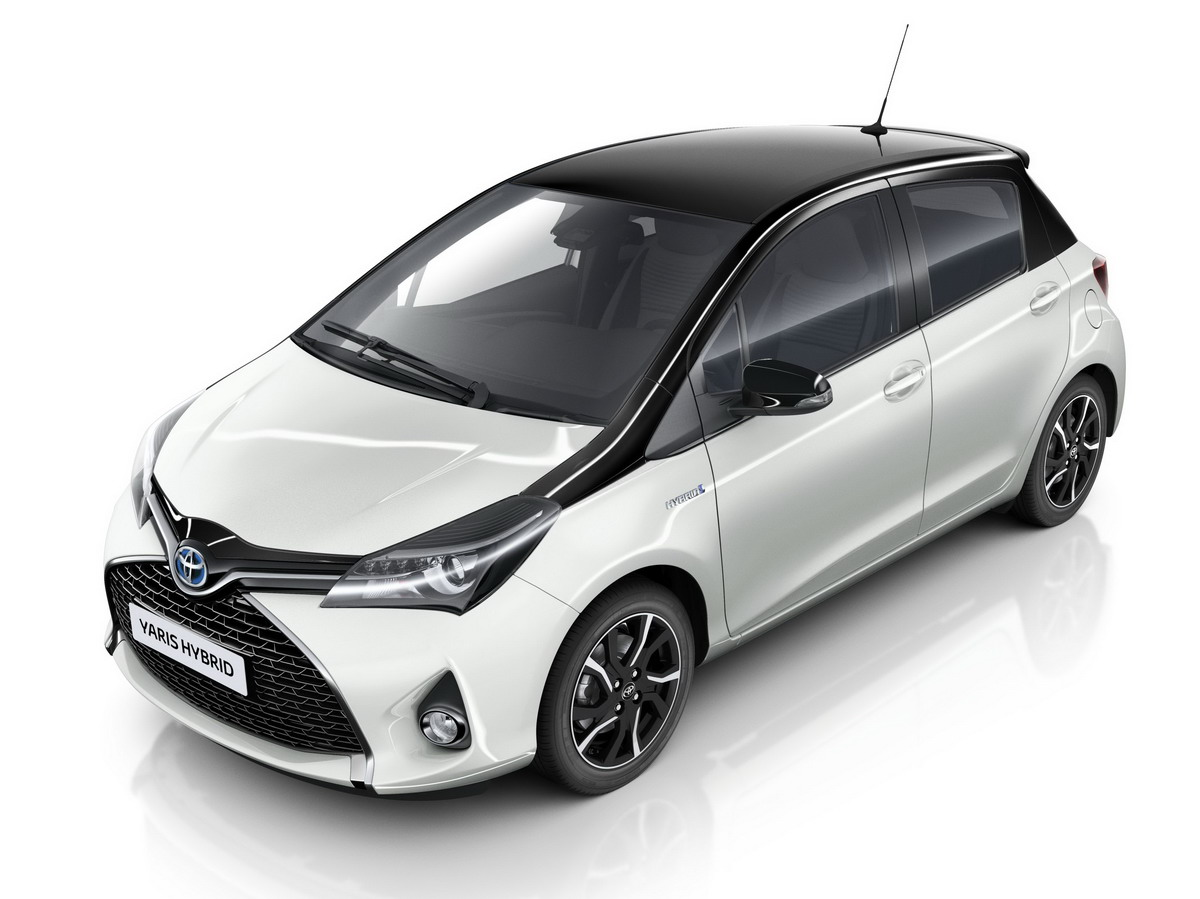 Toyota Yaris Trend per un impeccabile White Total Look