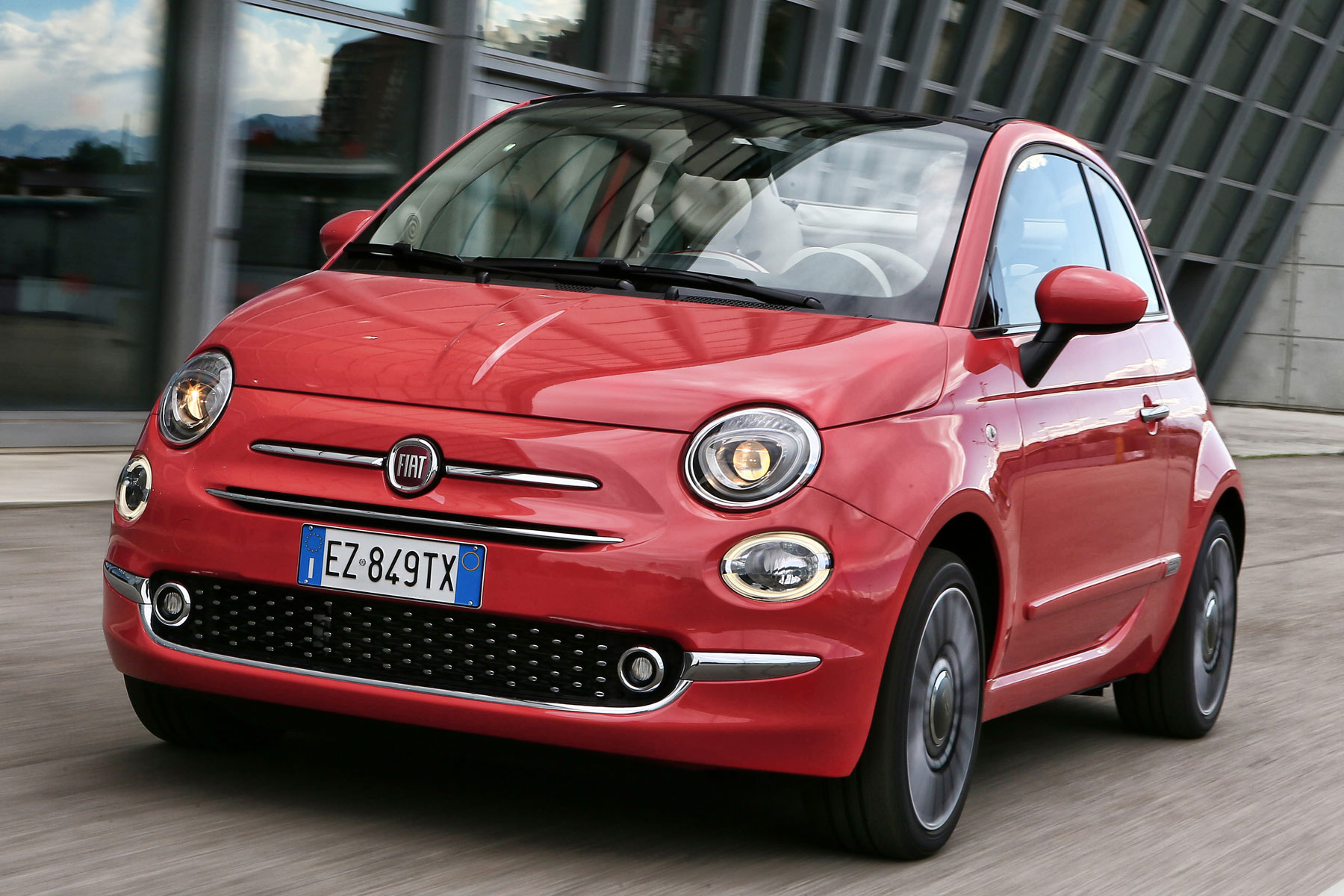 fiat 500 review 2015 first drive motoring research. Black Bedroom Furniture Sets. Home Design Ideas