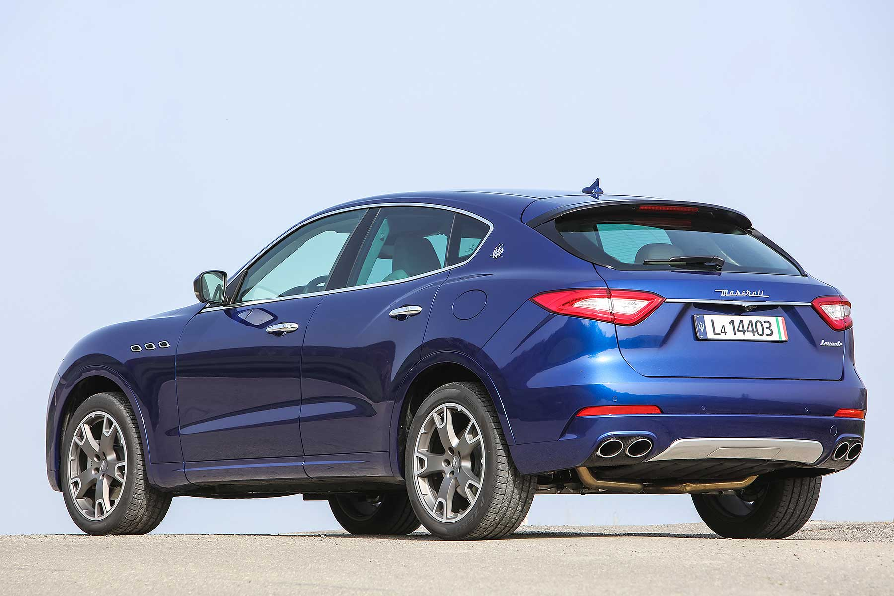 2016 maserati levante review can maserati really make an. Black Bedroom Furniture Sets. Home Design Ideas