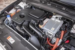 FordMondeo-Hybrid_25