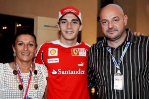 ©WRI2/MAXPPP  - Jules Bianchi (FRA), Scuderia Ferrari with his parents Philippe and Christine. Yas Marina Circuit. Young Drivers F1 Test Abu Dhabi 16-17/11/10 (MaxPPP TagID: maxsportsworldtwo197824.jpg) [Photo via MaxPPP]