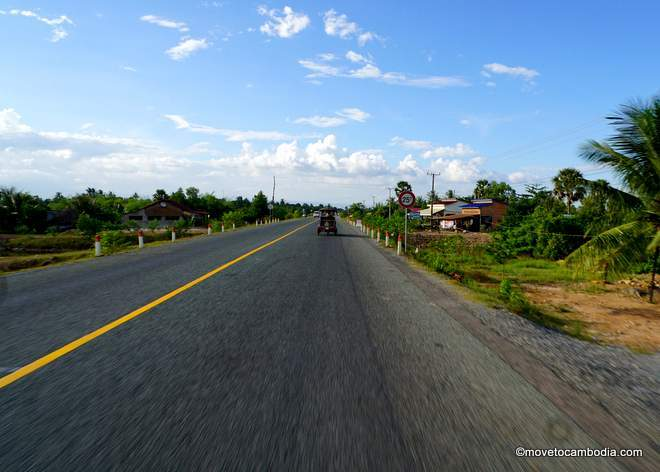 The road from Kep to Kampot