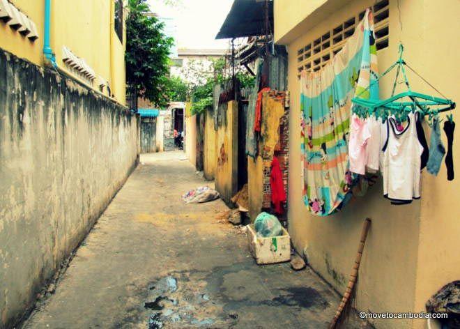 Phnom Penh alley