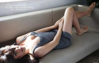 Jacqueline Fernandez Hot and Sexy MAXIM Magazine Photoshoot Pic 3