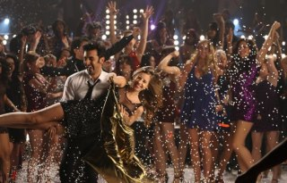 Badtameez Dil Video Song from Yeh Jawaani Hai Deewani 2