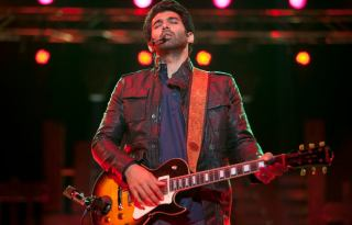 Watch Sunn Raha Hai Na Tu Full Video Song Aashiqui 2