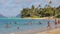 honolulu-beach-eople-feat