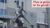 ++JordanStatue - Flickr user esparta-text