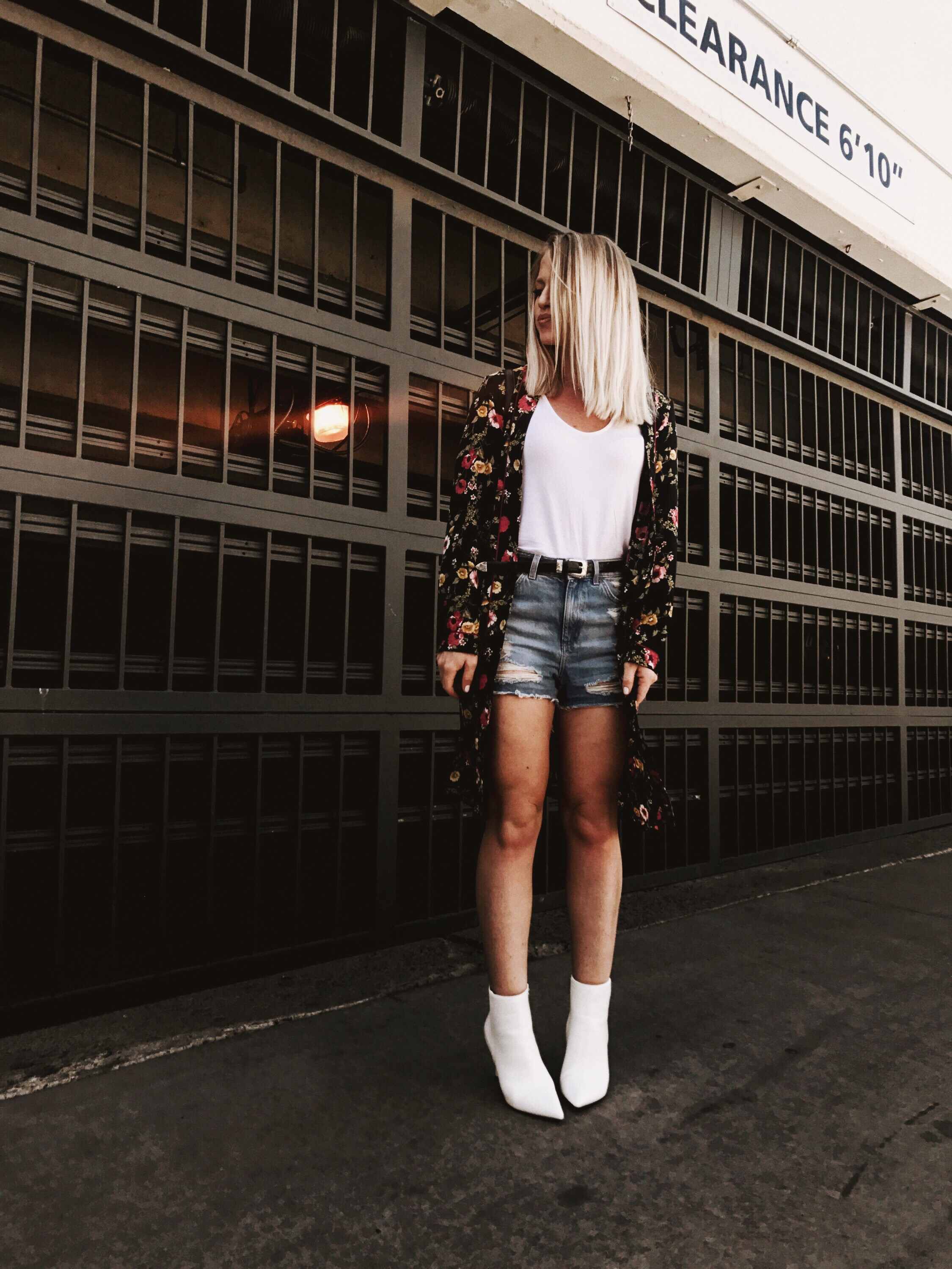 kimono and shorts outfit by Chirstine Bennett of Moxie Fashion Blog