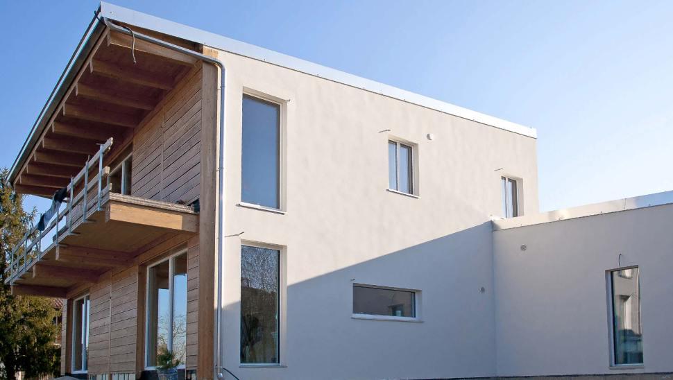 Casa indipendente in legno bbs a due piani a cherasco for Piani a due piani