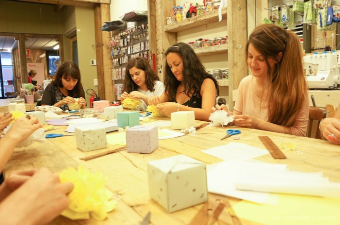 Ideas para envolver regalos en la tienda de manualidades en Barcelona Rosas Crafts Barcelona