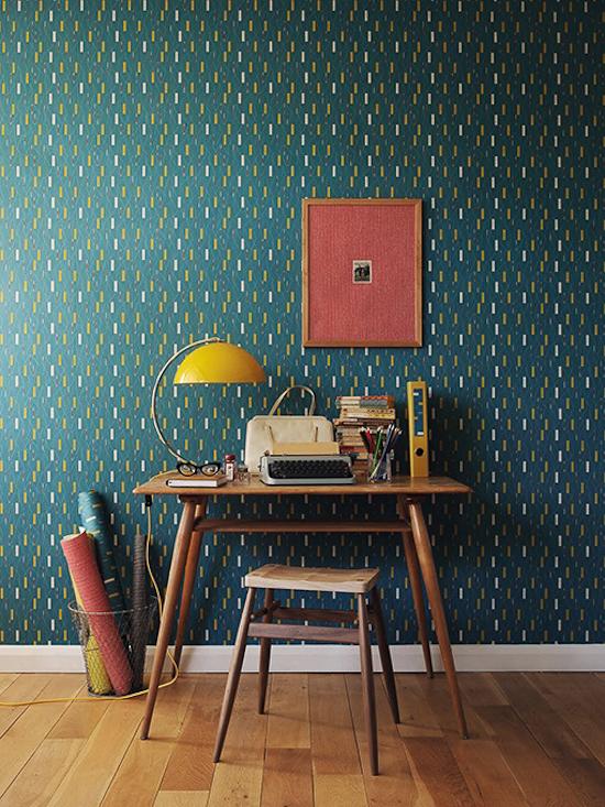 Papel pintado vintage para decorar habitaciones. En tonos azul, mostaza o gris y con estampados geometricos y florales. Mi última obesesion!