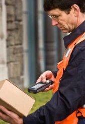 intermec-parcel-delivery-person