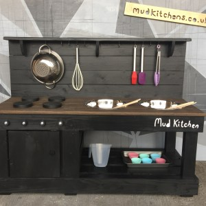 Products : Mud Kitchens